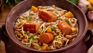 porotos-longaniza-receta-chile